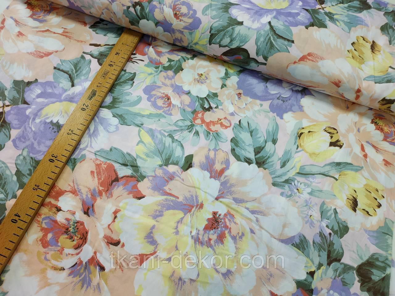 Сатин (хлопковая ткань) крупные пионовидные розы и тюльпаны