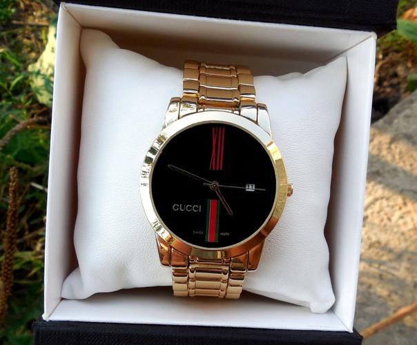 Часы женские кварцевые Gucci 2 цвета золотой серебренный Rolex Michael Kors  Реплика Качество! ac4c2cd20f0