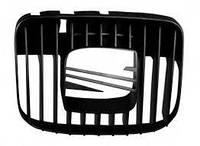 Решетка радиатора центр Seat Toledo / Leon 98-04  1M0853651F01C