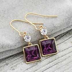 Серьги с кристаллами Swarovski 21090 размер 34*10 мм, цвет фиолетовый, позолота 18К