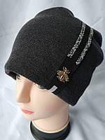 Женская молодежная зимняя шапка плеча