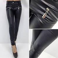 Женские узкие брюки из эко кожи