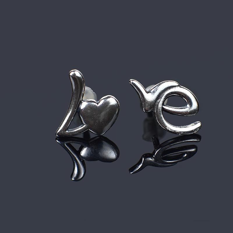 Серебряные серьги-пусеты Love