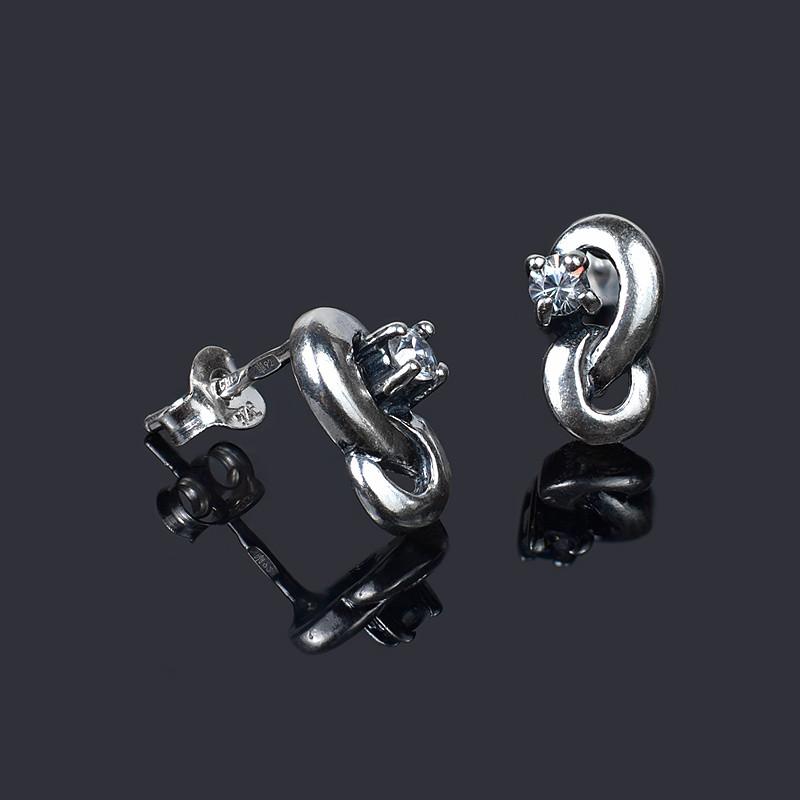 Серебряные серьги гвоздики с фианитом