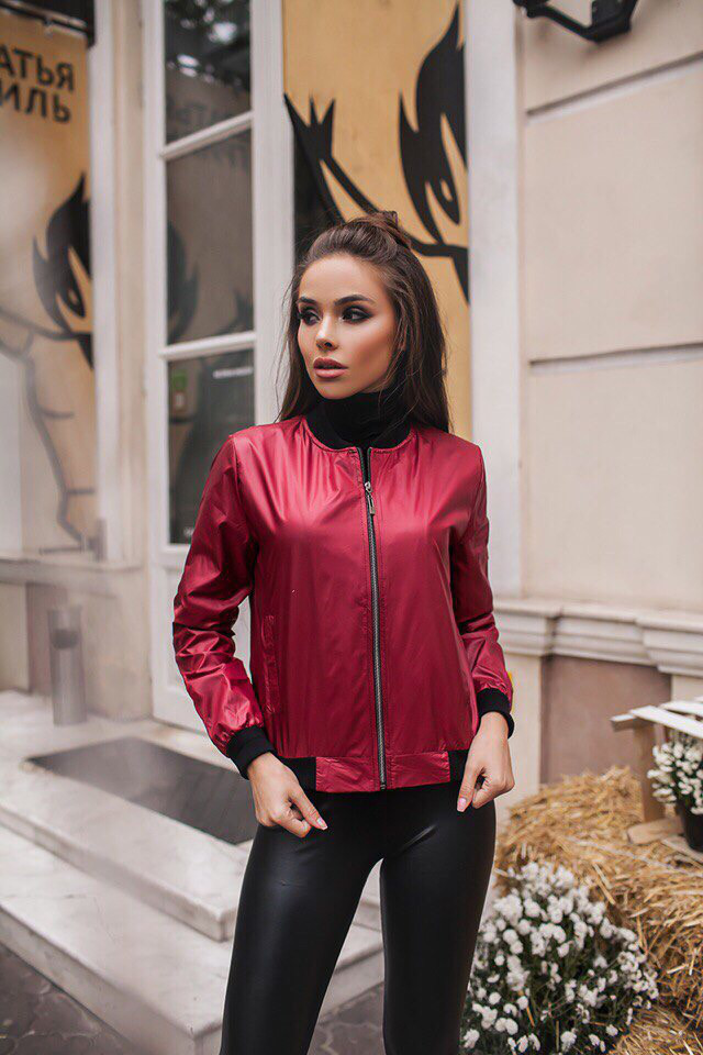 Женская курточка-ветровка из плащевки