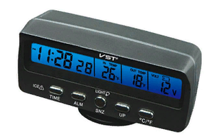 Автомобильные часы,термометр, вольтметр  7045V,