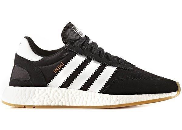 Мужские кроссовки adidas Iniki Runner Boost (Адидас Иники) черно-белые