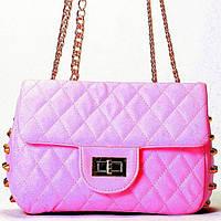 Женская сумка  в стиле Chanel розового цвета