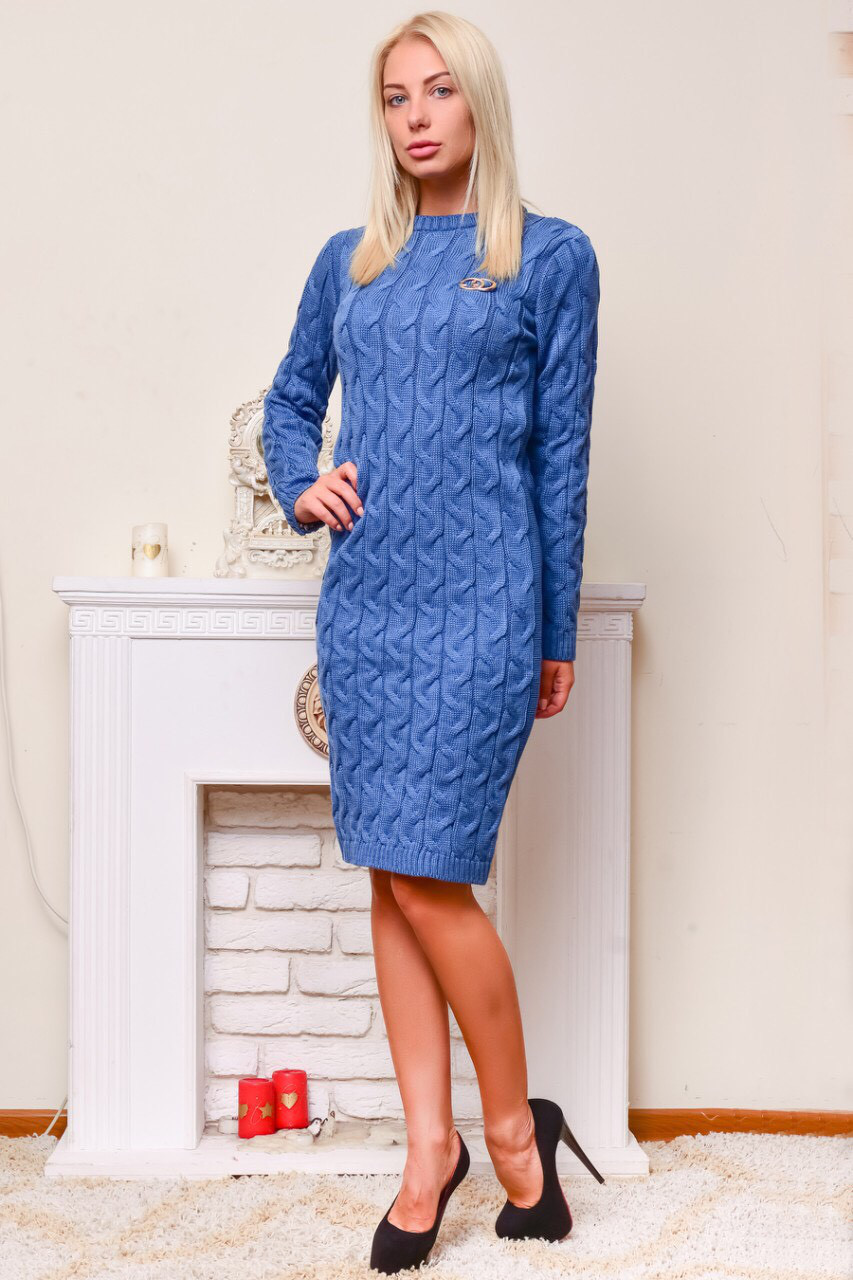 Теплое вязаное платье голубая-бирюза