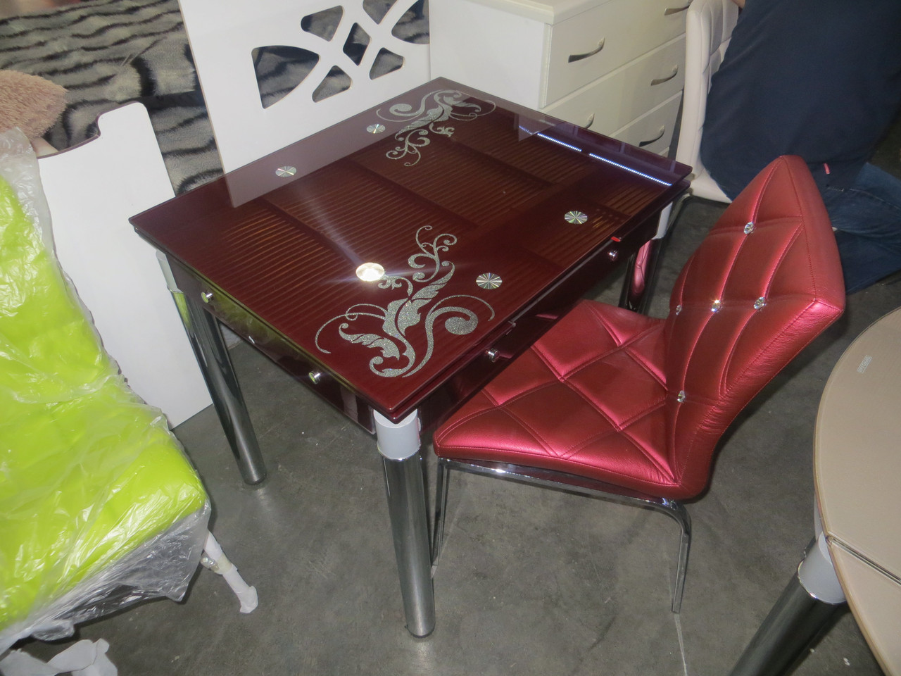 Стол ТВ 21 (без узора) (рубин)