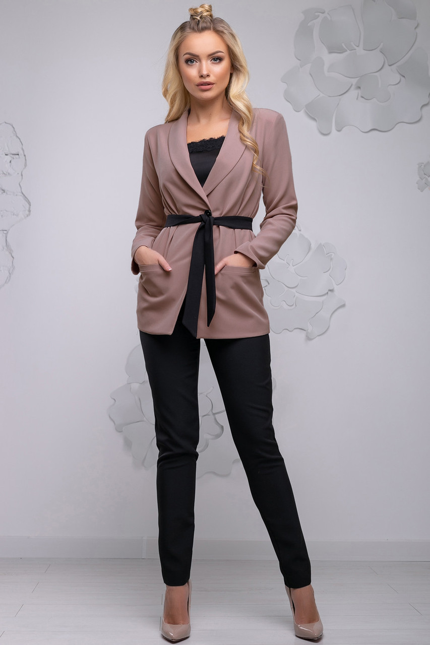 e066dd8eb9e Модный женский брючный костюм с жакетом 44-54 размера бежевый - 💎TM