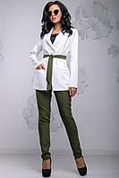 Модный женский брючный костюм с жакетом 44-50 размера белый, фото 1