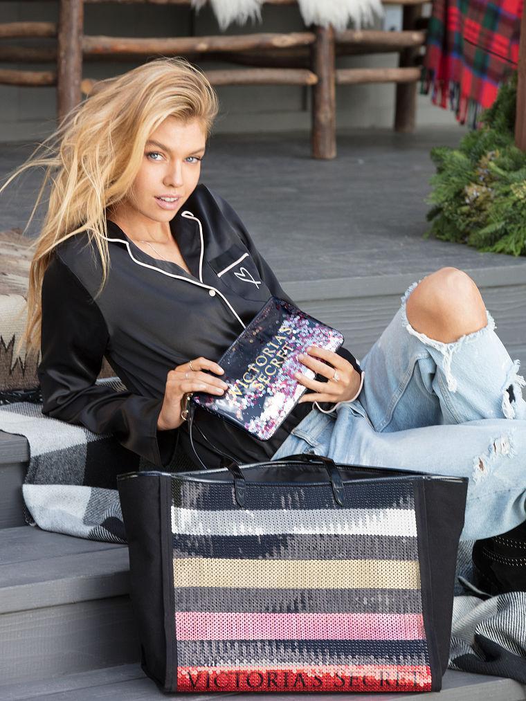 Модная сумка в пайетки Victoria's Secret