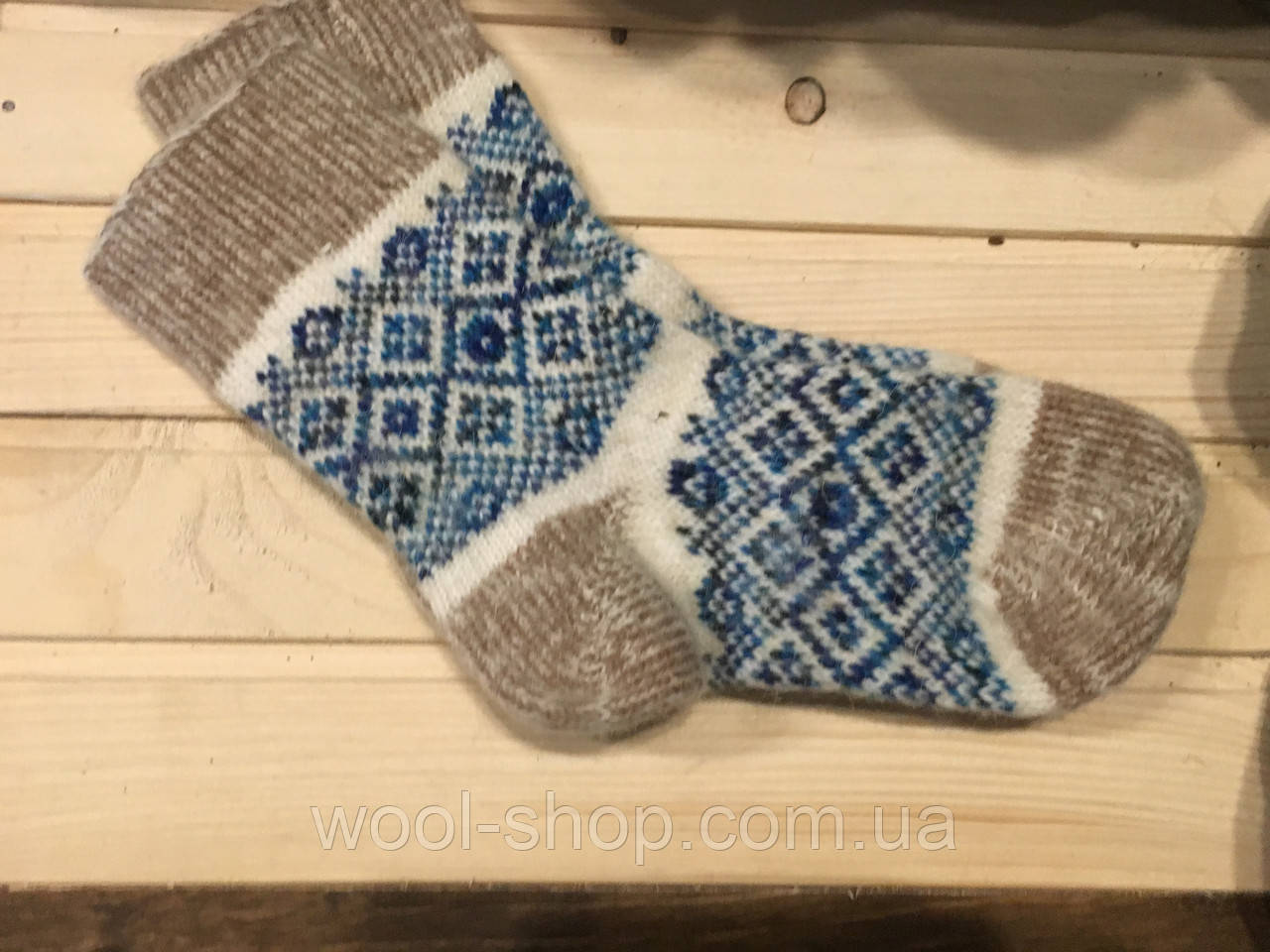 Носки из шерсти ангоры женские со швом