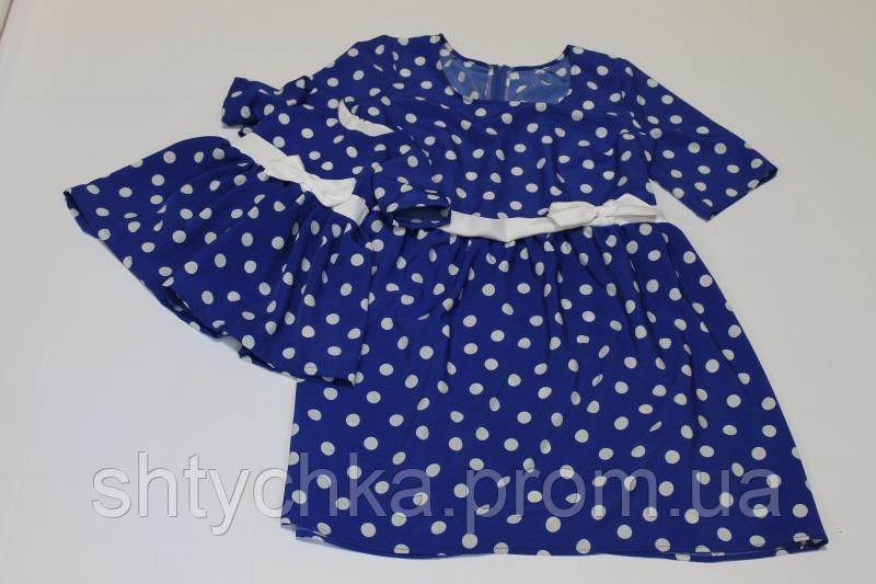 """Повседневно - нарядное платье на маму и доченьку (в стиле Фемели Лук) """" белый горошек на синем фоне с мокрого шелка"""