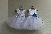 """Нарядное платье на девочку """" Снежинка"""" с голубыми  или серебренными снежинками"""