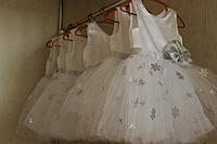 """Нарядное платье на девочку """"Снежинка"""" с серебреными снежинками !!!"""