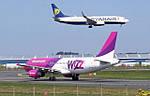 До уваги подорожуючих: Ryanair та Wizzair змінили правила провезення ручної поклажі