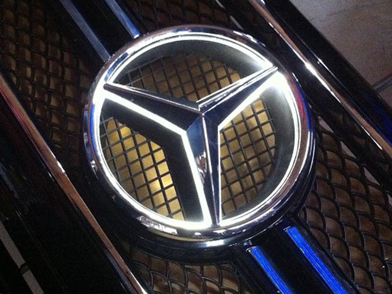 """Эмблемма """"Mercedes"""" с диодной подсветкой"""