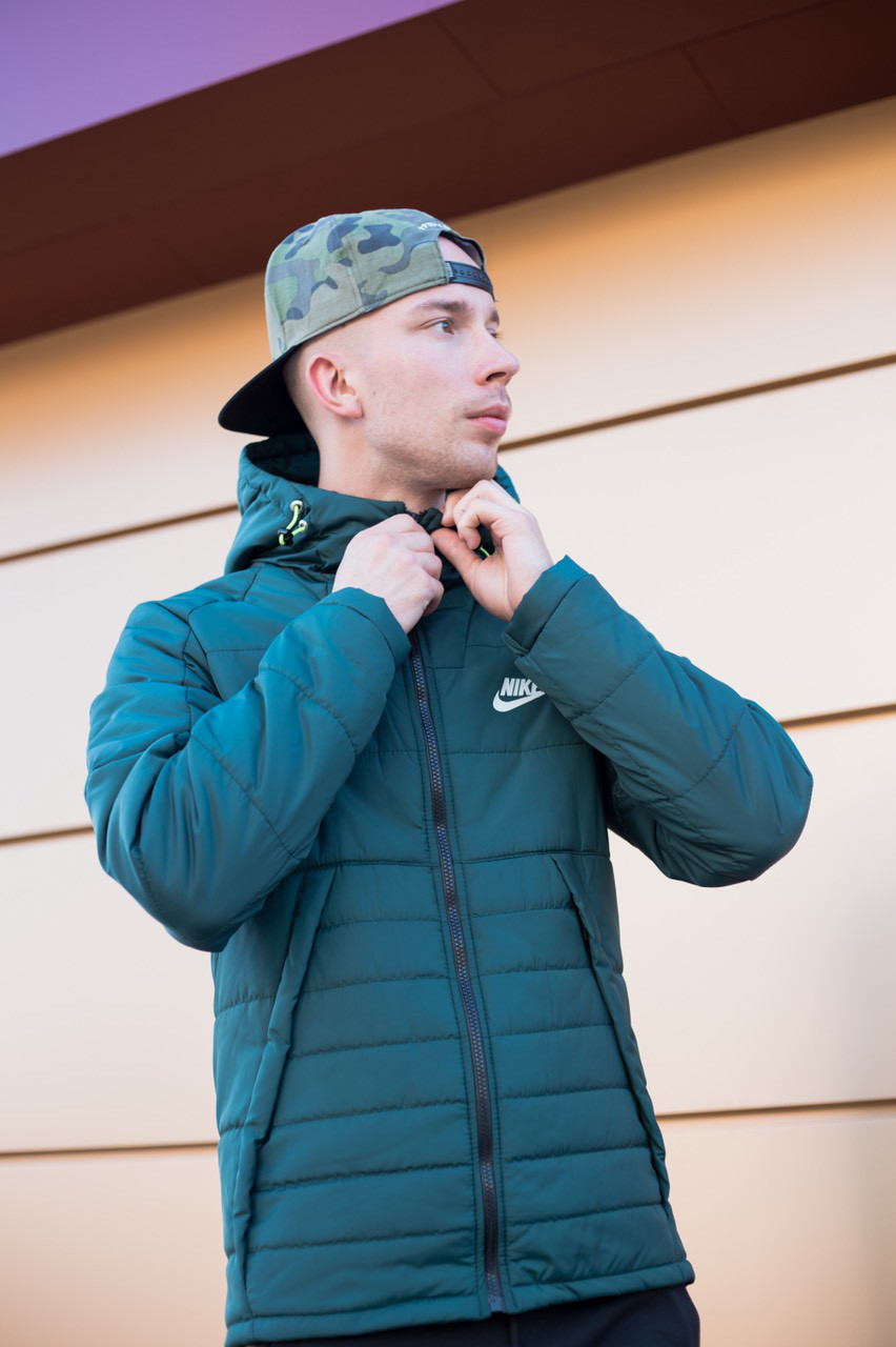 Мужская куртка Nike темно-зеленая