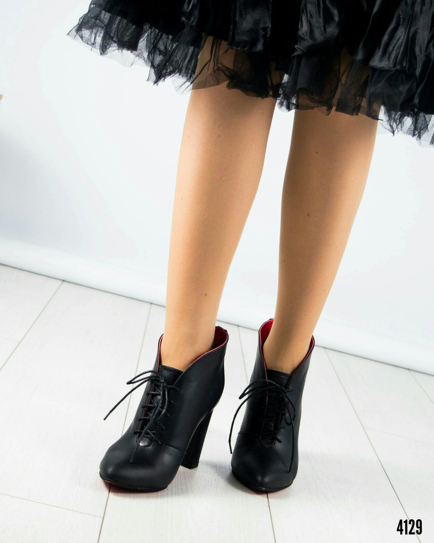 9b9b57a28fd6 Шикарные ботильоы женские кожаные на шнуровке -