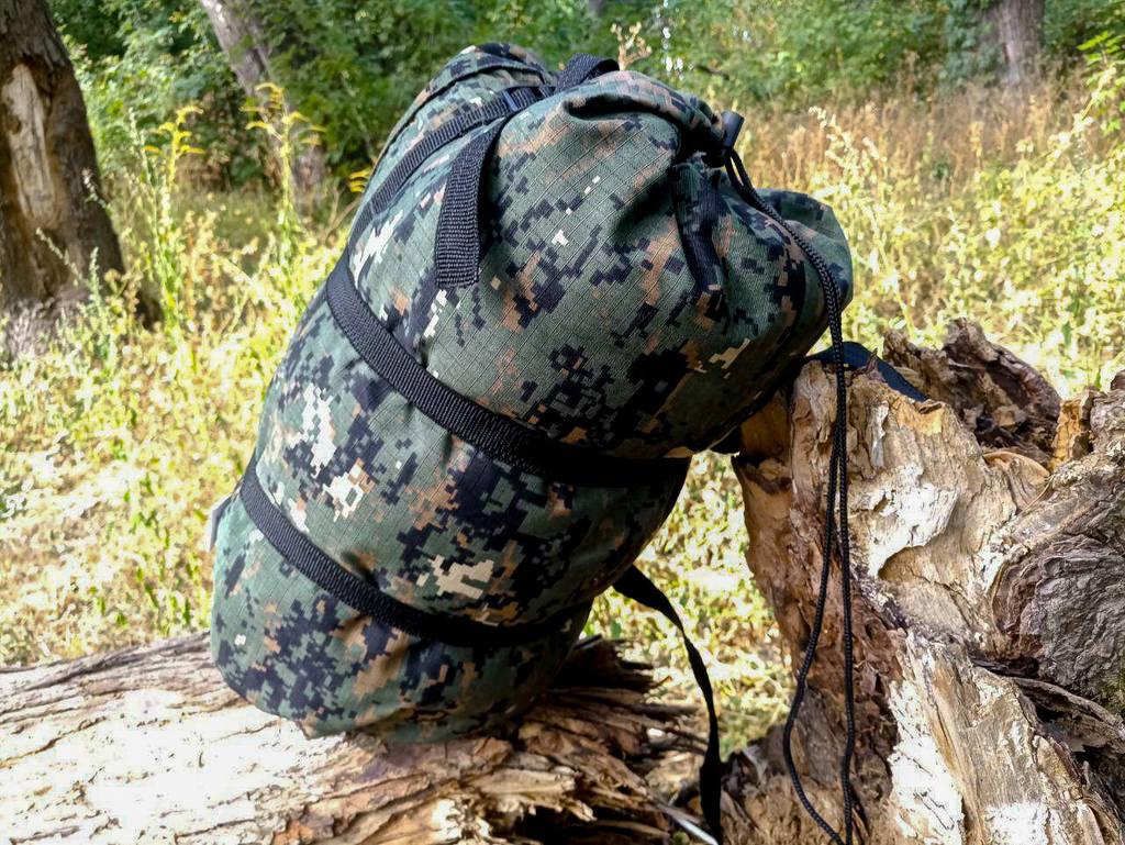 Тактический спальник + компрессионный мешок (-2/-7). Спальный мешок для похода весна и осень Пиксель Камуфляж