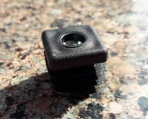 Заглушка квадратної труби 20х20 з різьбою М6
