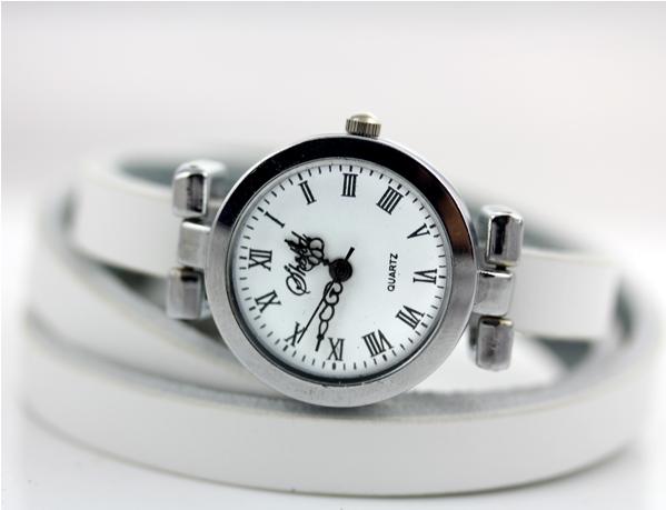 Часы наручные женские на длинном ремешке