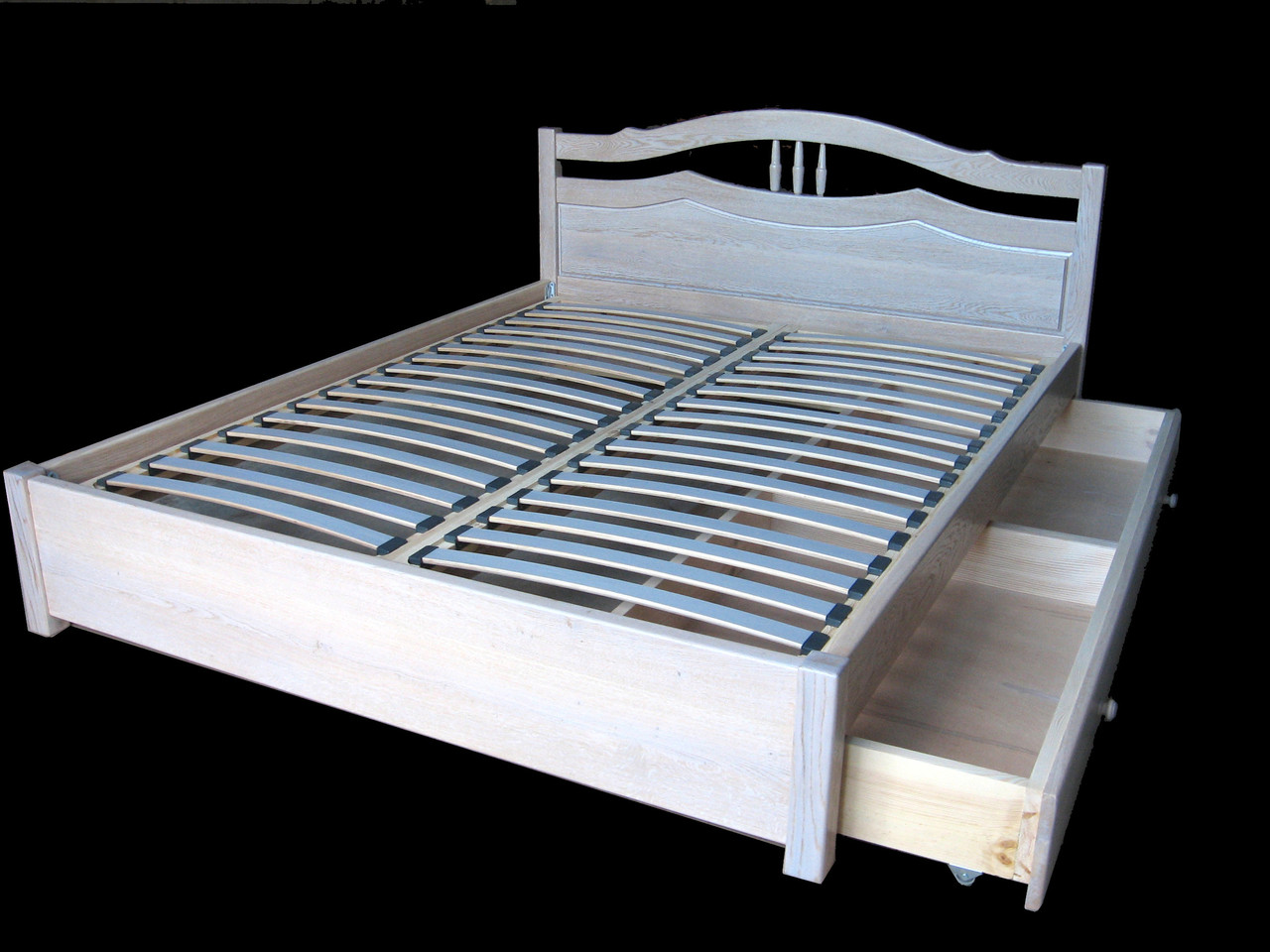 """Двоспальне ліжко з дерева """"Жасмин"""" від DomRom Company"""