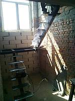 """""""П-образный"""" Каркас лестницы на центральном несущем косоуре, фото 1"""