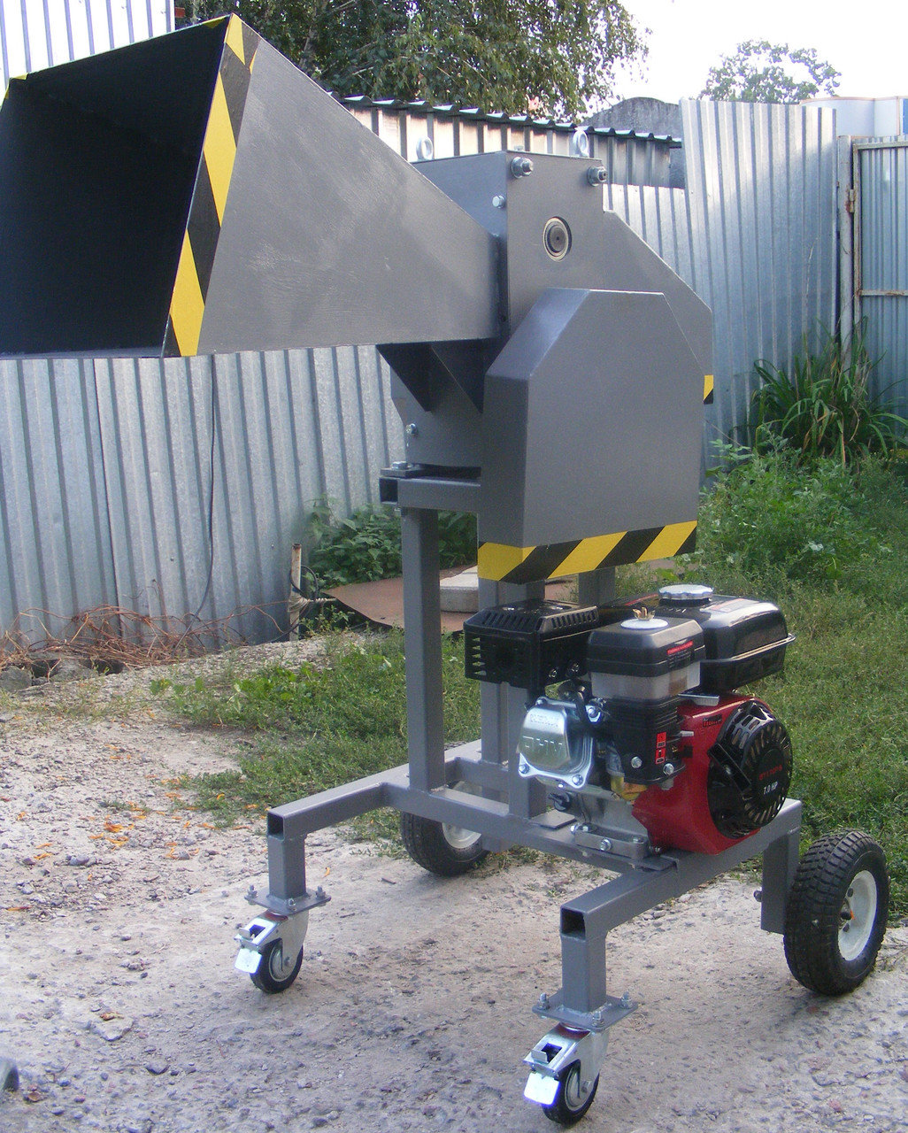 Измельчитель веток ДС-80-Д (Под бензиновый или электро двигатель, до 80 мм)