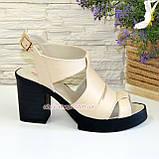 Босоножки кожаные на широком каблуке, цвет бежевый, фото 2
