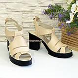 Босоножки кожаные на широком каблуке, цвет бежевый, фото 3