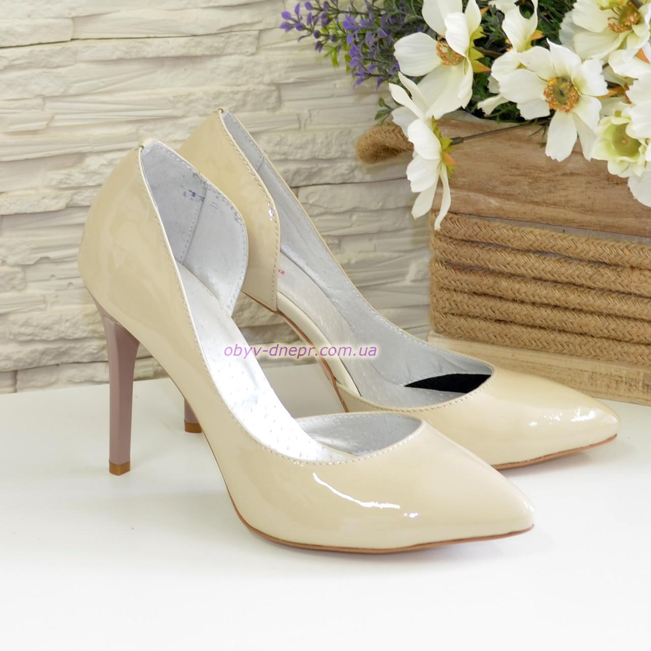 Женские лаковые туфли на шпильке, цвет бежевый