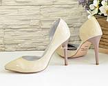 Женские лаковые туфли на шпильке, цвет бежевый, фото 4