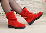 Ботинки женские демисезонные на низком ходу, из натуральной замши красного цвета, фото 5