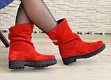 Ботинки женские демисезонные на низком ходу, из натуральной замши красного цвета, фото 6