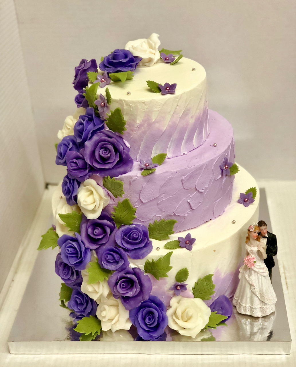 """Весільний торт на замовлення """"Лавандові квіти"""""""