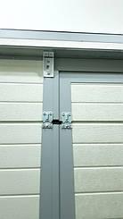 Гаражные секционные ворота с повышенным типом подъема и встроенной калиткой 3