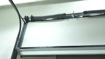 Гаражные секционные ворота с повышенным типом подъема и встроенной калиткой 5