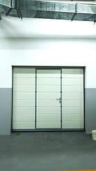 Гаражные секционные ворота с повышенным типом подъема и встроенной калиткой 11