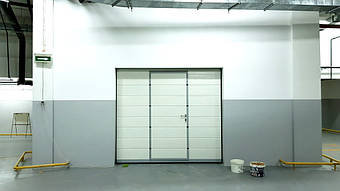 Гаражные секционные ворота с повышенным типом подъема и встроенной калиткой 14
