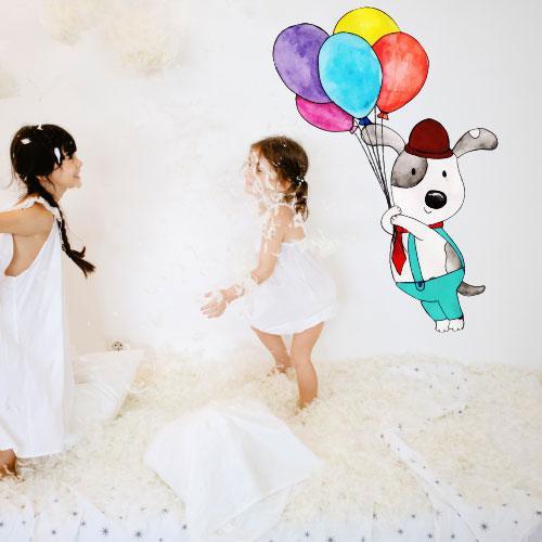 Интерьерная виниловая наклейка в детскую Мечтатель (самоклеющаяся пленка собака шарики стикер на стену) матовая 590х1000 мм