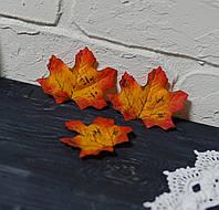 Осенний листочек красно-оранж 7 см 1 шт