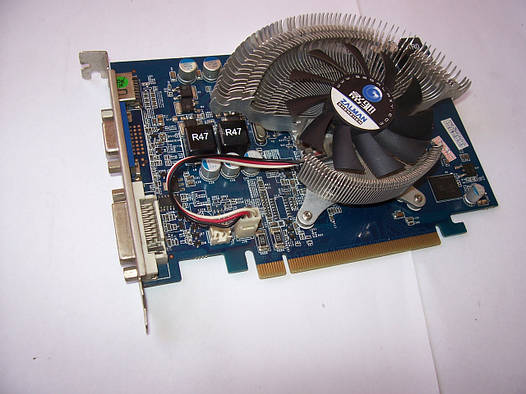 GeForce GT240  512Mb 128bit DDR5  Б/У  Полностью рабочая!