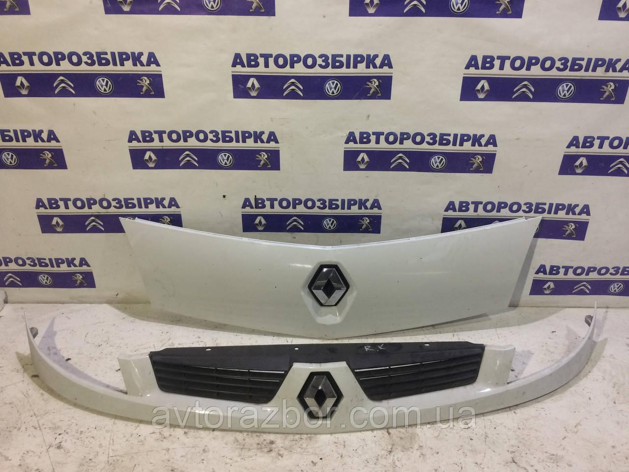 Решетка радиатора Renault Kangoo 2008-2012 Рено Кенго