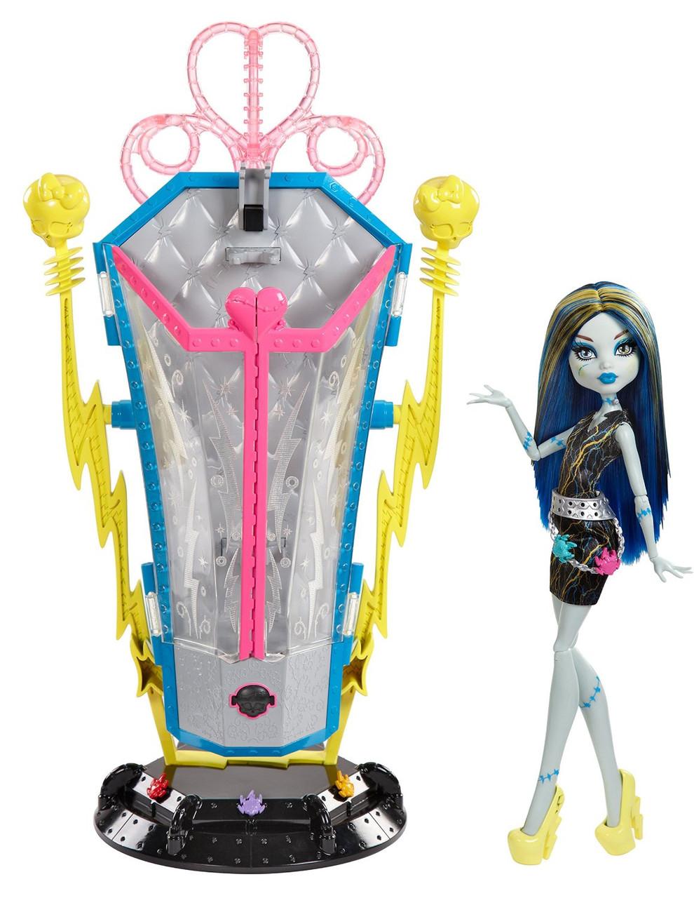 Станция подзарядки Фрэнки Штейн (Freaky Fusion Recharge Chamber Frankie Stein Doll and Playset)