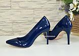 Туфли женские лаковые на шпильке, синий цвет, фото 4