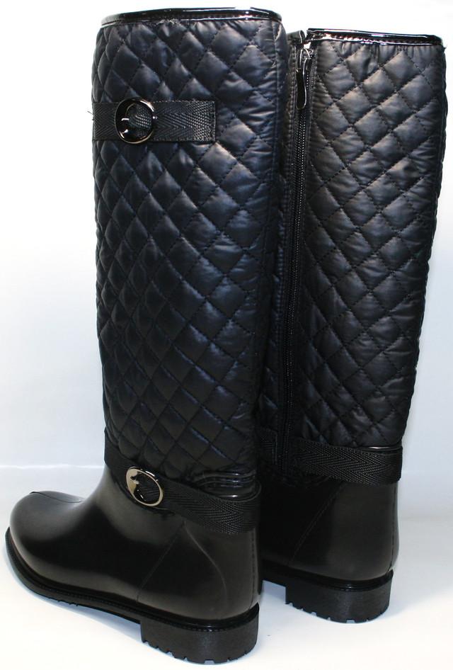Элегантные резиновые сапожки - обязательный элемент в гардеробе каждой женщины.