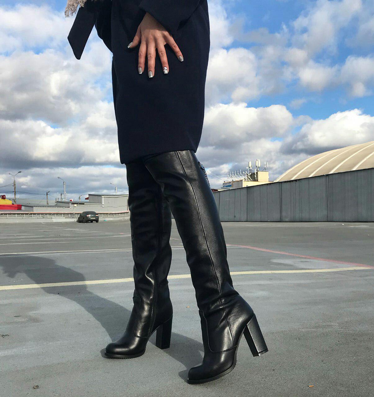3aafc659dd27 Черные кожаные сапоги ботфорты на толстом каблуке осень/зима